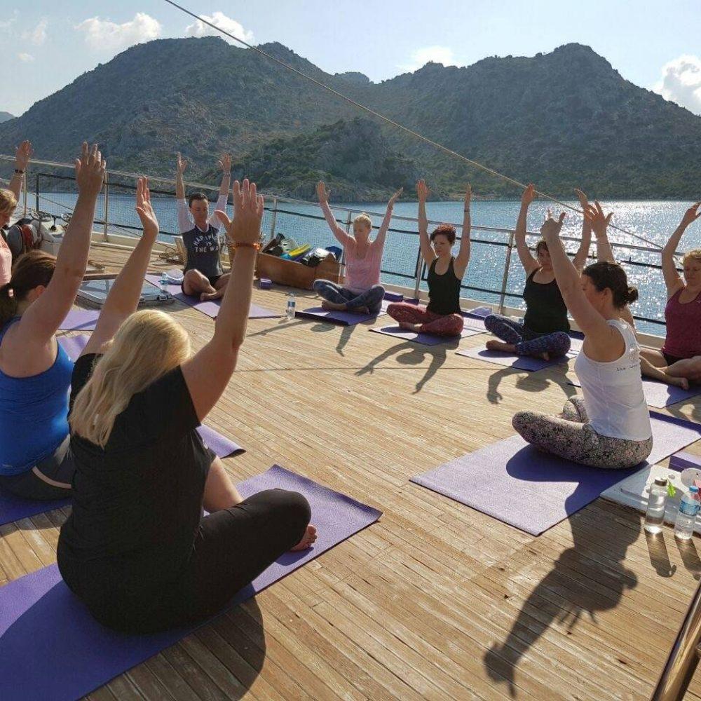 Yoga op de boot the flower of life